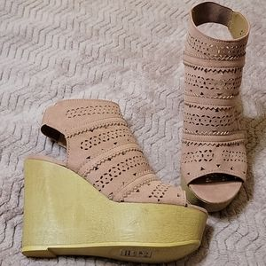 F21 Qupid Mauve Faux Suede Wooden Wedge Heels